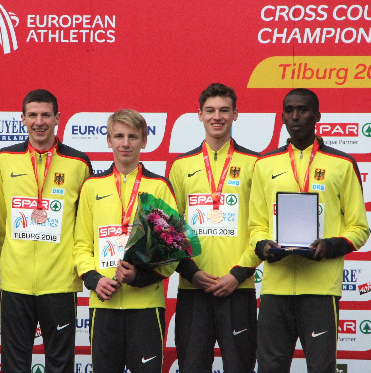 Müller überrascht mit Team-Bronze