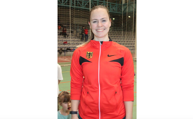 Sara Lisa Zorn im Rasenkraftsport Deutsche Meisterin