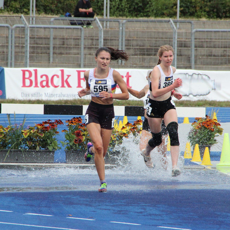 Constanze Paoli gewinnt DM-Bronze im Hindernislauf